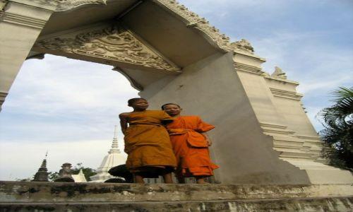 Zdjecie TAJLANDIA / - / Ayutthaya   / mali mnisi