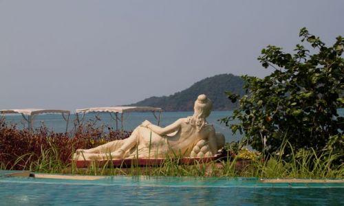 TAJLANDIA / Koh Chang / white beach / w oczekiwaniu