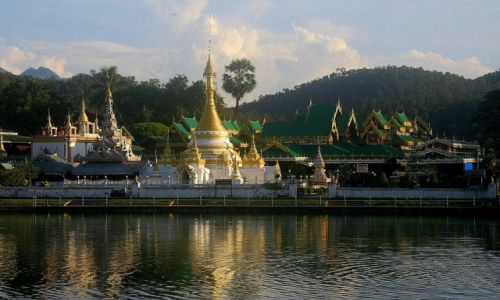 Zdjecie TAJLANDIA / Mae Hong Son, północno wschodnia Tajlandia / Mae Hong Son / Wat Chonh Klang