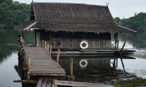 Zdjęcie TAJLANDIA / Nizinia Menamu / Kanchanaburi / Chatka na wodzie