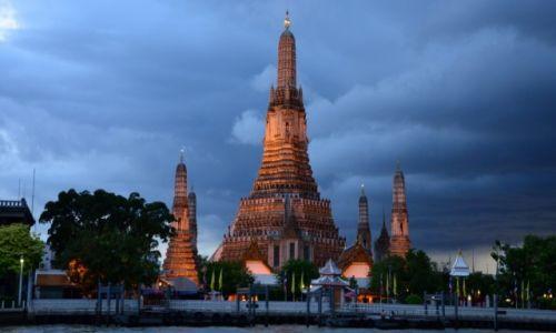 Zdjecie TAJLANDIA / Bangkok / Wat Arun / Przed burzą