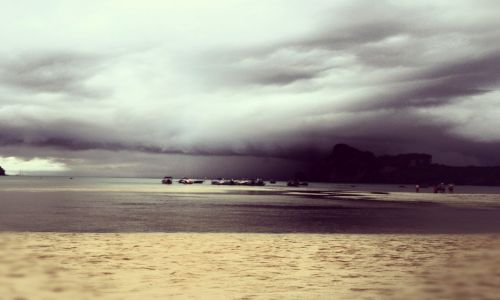 Zdjęcie TAJLANDIA / Phuket / ko phi phi  / Storm