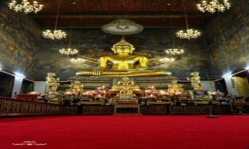 TAJLANDIA / Bangkok / Świątynia / Ołtarz w Świątyni