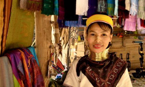 Zdjecie TAJLANDIA / prowincja Chiang Mai / Wioska Karenów / Długa Szyja -Konkurs
