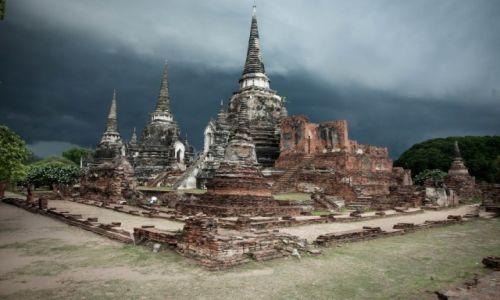 TAJLANDIA / , / Ayutthaya / Wat Phra Si Sanphet  przed deszczem