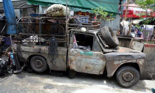 Zdjecie TAJLANDIA / BKK / Bangkok / Pan samochodzik