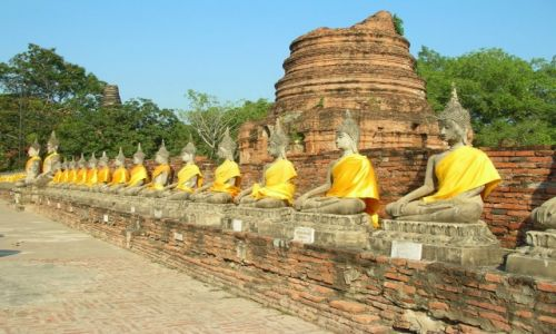 Zdjęcie TAJLANDIA / Ayutthaya / Wat Yai Chai Mongkol / Pozycja lotosu