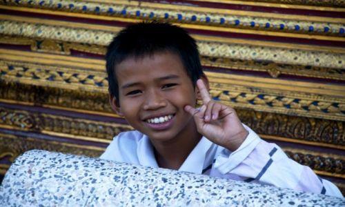 TAJLANDIA / Bangkok / W Świątyni Wat Pho / Mały Taj