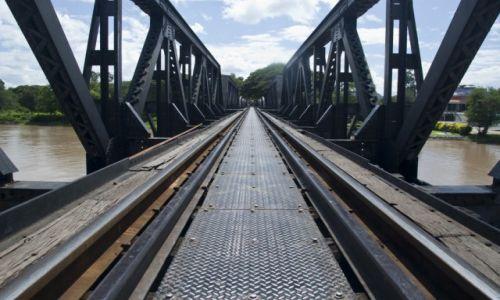 Zdjecie TAJLANDIA / Kanchanaburi / Kanchanaburi / Most na rzece Kwai
