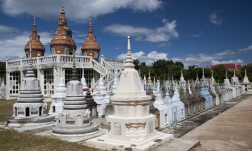 Zdjęcie TAJLANDIA / Kanchanaburi / Kanchanaburi / Cmentarz w Kanchanaburi