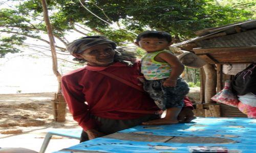Zdjęcie TAJLANDIA / Kantiang / Koh Lanta / Rybak z wnuczkiem :-)