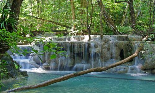 TAJLANDIA / Kanchanaburi / Park narodowy Erawan / Wodospady