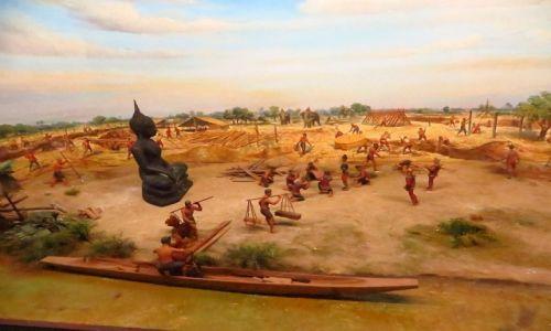 Zdjęcie TAJLANDIA / Bangkok / Muzeum Narodowe / ufundowanie miasta Ayutthaya