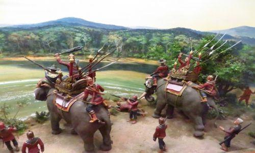 Zdjęcie TAJLANDIA / Bangkok / Muzeum Narodowe / Król Naresuan przekracza rzekę Sittaung