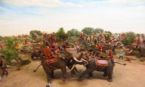 Zdjęcie TAJLANDIA / Bangkok / Muzeum Narodowe / pojedynek króla Naresuana