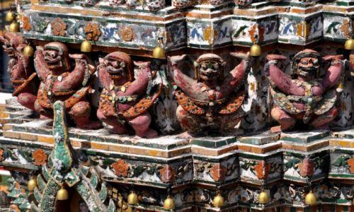 Zdjecie TAJLANDIA / Bangkok / Wat Arun / Dekoracje ścian świątyni