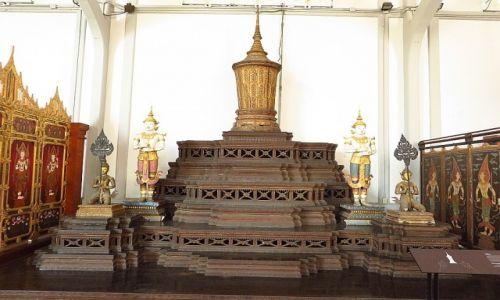 Zdjęcie TAJLANDIA / Bangkok / Muzeum Narodowe / królewska urna kremacyjna