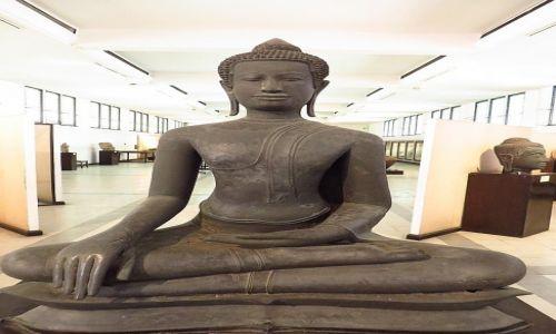 Zdjęcie TAJLANDIA / Bangkok / Muzeum Narodowe / posąg Buddy
