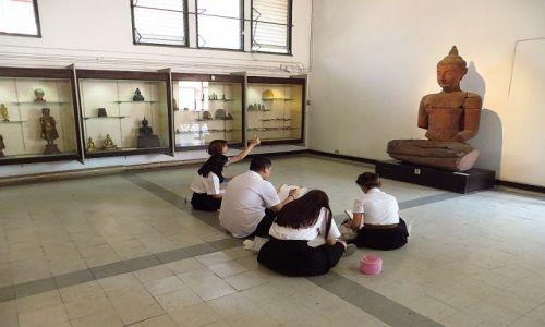 Zdjęcie TAJLANDIA / Bangkok / Muzeum Narodowe / młodzi artyści