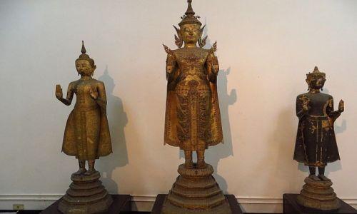 Zdjęcie TAJLANDIA / Bangkok / Muzeum Narodowe / posągi Buddy okres Ayutthaya