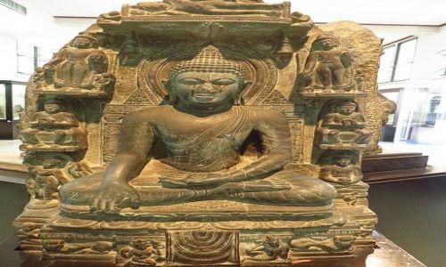 Zdjęcie TAJLANDIA / Bangkok / Muzeum Narodowe / posąg Buddy Indie IX wiek