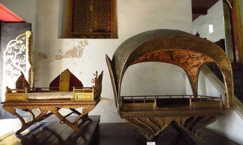 Zdjęcie TAJLANDIA / Bangkok / Muzeum Narodowe / królewskie siodło na słonia