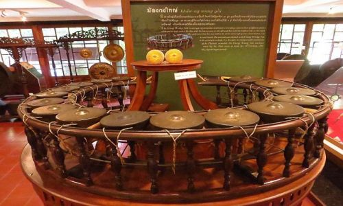 Zdjęcie TAJLANDIA / Bangkok / pałac Suan Pakkad / instrument muzyczny