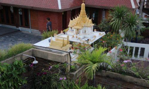 TAJLANDIA / Bangkok / Khao San / Domek dla duchów