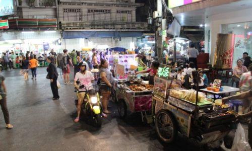 TAJLANDIA / Bangkok / Okolice Khao San / Wszędzie jedzenie