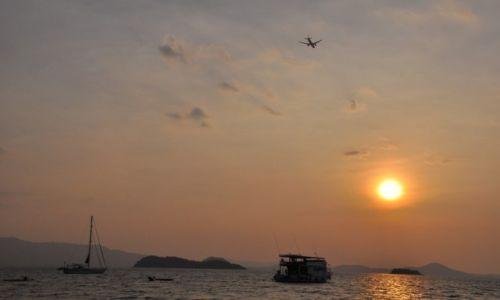Zdj�cie TAJLANDIA / Prowincja Phuket / Phuket / W stron� s�o�ca...