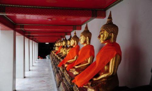 Zdj�cie TAJLANDIA / Prowincja Phuket / Phuket / Przed �wi�tyni�