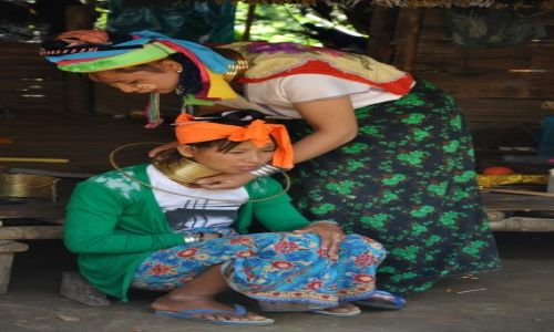 Zdjęcie TAJLANDIA / Chiang Rai / Chiang Rai / KoBiety z plemienia Karen