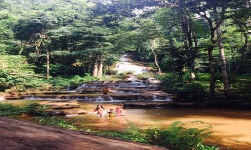 Zdjecie TAJLANDIA / Phop Phra / Pha Charoen Waterfall / Zabawy