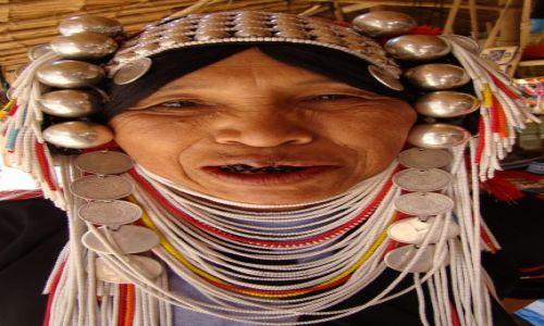 Zdjęcie TAJLANDIA / Chiang Mai / wioska plemienia Akha / Wyszukane ozdoby...