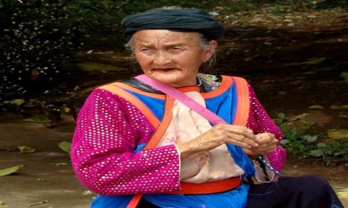Zdjęcie TAJLANDIA / Złoty Trójkąt / wioska / Betel