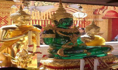 Zdjecie TAJLANDIA / brak / Chiang Mai / Istnieją miliony posążków Buddy. Ten był szalenie oryginalny.