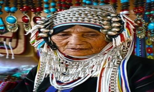 Zdjecie TAJLANDIA / Chiang Mai / - / Kobieta z plemienia Akha