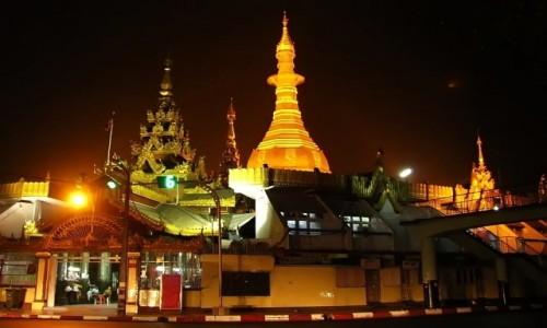 Zdjęcie MYANMAR / Yangon / Yangon / Sule Paya