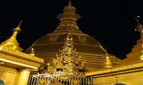 Zdjecie MYANMAR / Yangon / Yangon / Sule Paya - detal architektoniczny