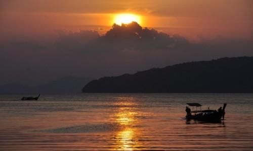 Zdjecie TAJLANDIA / krabi / plaża / zachód