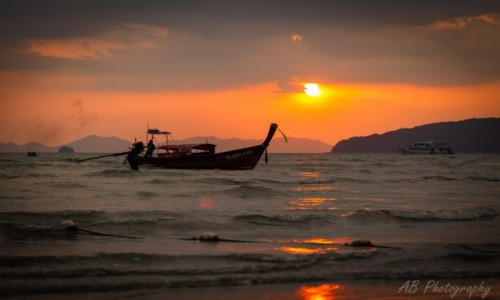 Zdjecie TAJLANDIA / Krabi / Ao Nang Beach / Zachód słońca