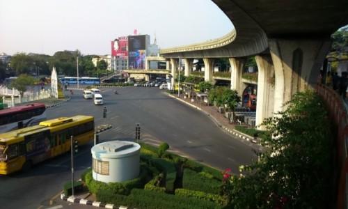 Zdjecie TAJLANDIA / BANGKOK / estakada wokół Placu Zwycięstwa / Victory Monument Square