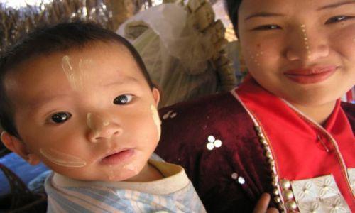 Zdjęcie TAJLANDIA / północ Tajlandii / wioska na północy kraju / odwiedziny u plemion północy Tajlandii