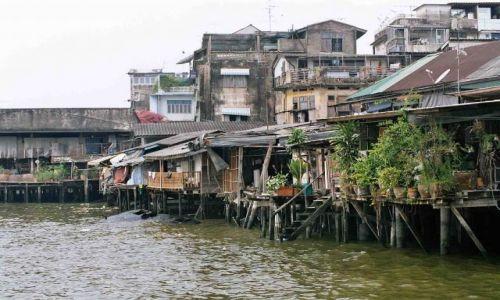 Zdjecie TAJLANDIA / bangkok / nad brzegiem Chao Prao /