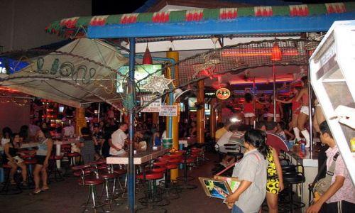 Zdjecie TAJLANDIA / Phuket / Patong, Bangla Road / Białe kozaczki