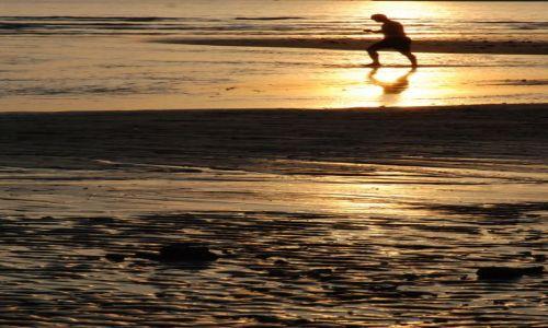 Zdjęcie TAJLANDIA / Ko Chang / m / chodzić po zachodzie