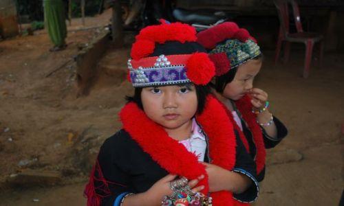 Zdjęcie TAJLANDIA / Tajlandia Północna / Tajlandia / Dzieci z plemienia Akha