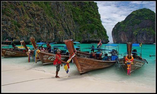 Zdjęcie TAJLANDIA / KRABI / KO PHI PHI / ŁODZIE DŁUGORUFOWE