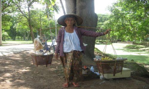 Zdjecie TAJLANDIA / Sukhothai / Historical Park / Tajka