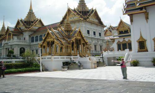 Zdjecie TAJLANDIA / - / Bangkok / Tak pomszkuje krol Tajlandii